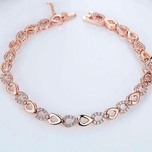 Jewelry - New - Grace Heart Link Bracelet